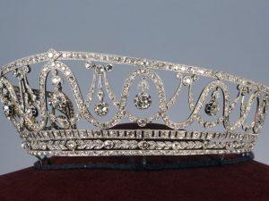 Roubo de tiara de diamantes milionária intriga cidade alemã