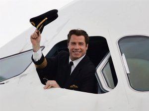 Praticando o desapego: John Travolta doa seu Boeing 707 para museu