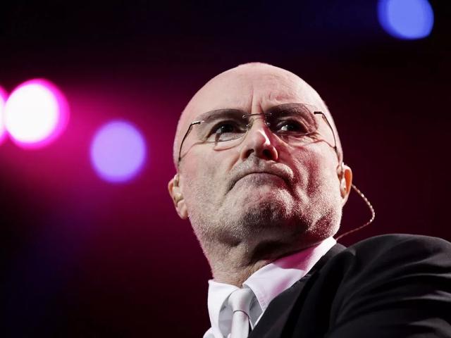 Phil Collins é hospitalizado após cair e bater a cabeça