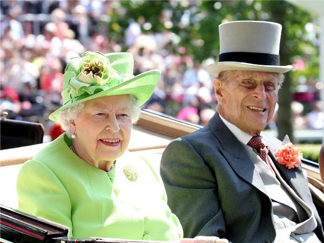 Príncipe Philip, marido da rainha Elizabeth II, deixa o hospital
