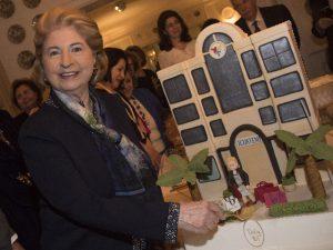 Dolly Abdalla ganha festa surpresa de 90 anos no Jardim Europa