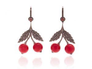 Desejo do Dia: a doçura do brinco Cherry da joalheria russa Axenoff Jewellery