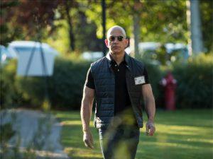 5 curiosidades sobre Jeff Bezos, o bilionário que deixou Bill Gates em segundo lugar