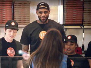 Rede de pizzarias de LeBron James é a que mais cresce nos Estados Unidos