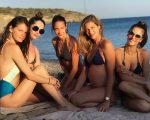 Jeisa Chiminazzo, Renata Maciel, Patrícia Barros, Ana Beatriz Barros e Alessandra Ambrosio na Grécia