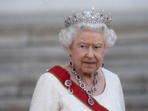 Rainha, sim. Ré, nunca! Confira 5 leis que Elizabeth II não precisa seguir