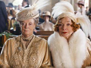As avós famosas e belas: Maggie Smith e Shirley MacLaine na série Downton Abbey Crédito divulgação