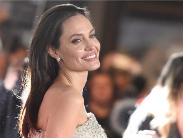 Angelina Jolie diz que cozinha para lidar com estresse, mas amigos da atriz duvidam