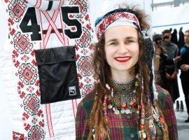 Artista russa Maria Kazakova, da marca Jahnkoy, vem ao país para a semana de moda