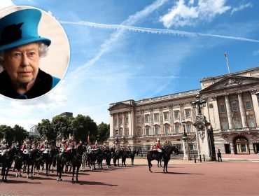 21 cavalos da Household Cavalry escapam e deixam a rainha Elizabeth II apreensiva