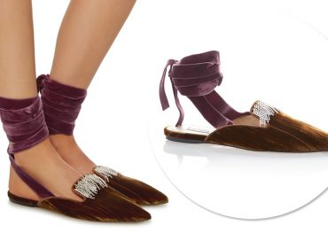Desejo do Dia: a princesa baixou em mim com a sapatilha aveludadada Attico