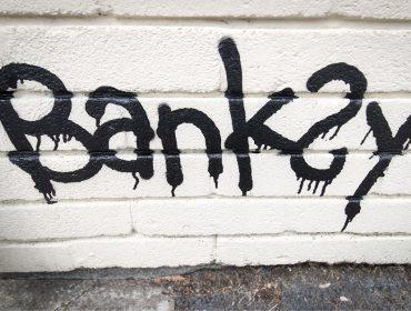 Rumor dá conta de que Banksy foi preso em Londres e teve a identidade revelada