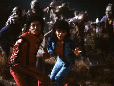 """Atriz que interpretou a namorada de Michael em """"Thriller"""" luta por royalties. Vem saber!"""