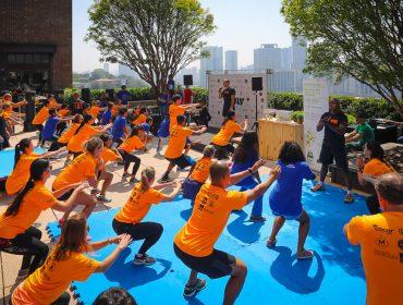 Glamurettes suam a camisa em mais uma ediçãodo Play For Good no Cidade Jardim