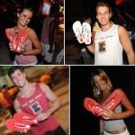 Camila Pereira, Christian Prestes, Fernando Carlos e Michelle Zachi com o gift do E! Entertainment Television: descanso para os pés