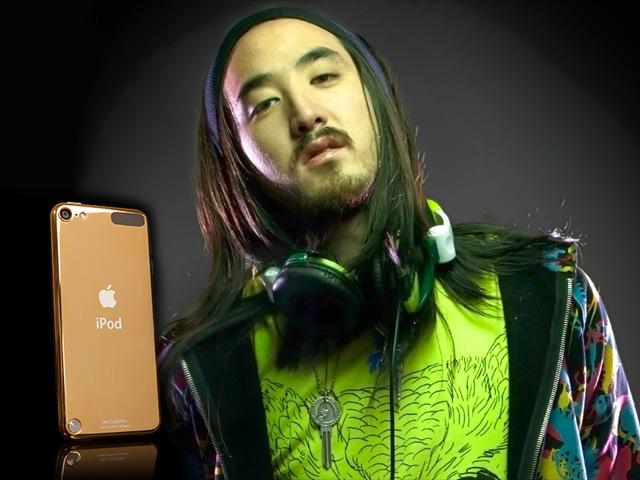 Mordomias e um iPod de ouro com uma setlist criada por Steve Aoki || Créditos: Reprodução