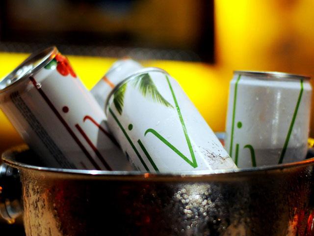 Chás e sucos Liv para todos os convidados do Lado B, na Casa Glamurama || Créditos: Juliana Rezende