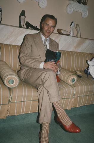 Manolo Blahnik em 1982