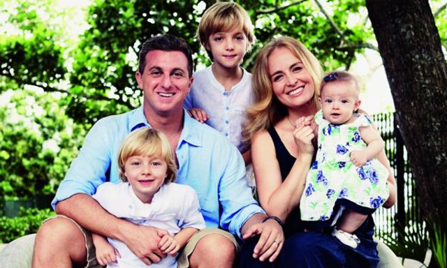 Angelica e Huck com os filhos Joaquim, Benício e Eva || Créditos: Reprodução