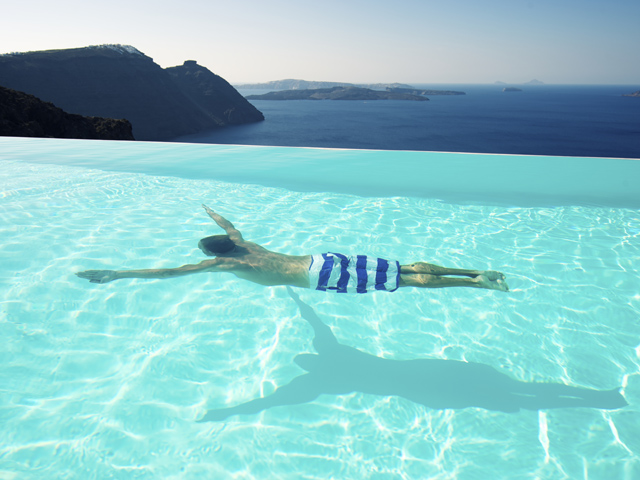 Algumas piscinas chegaram a custar rios de dinheiros! || Créditos: iStock