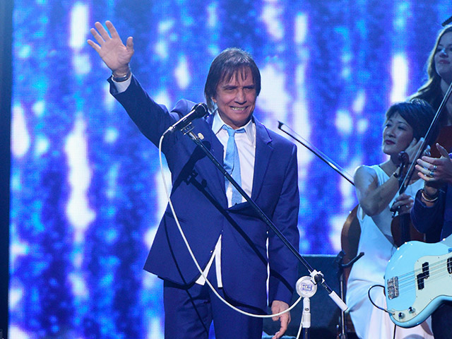 Roberto Carlos se apresentou no 16º Grammy Latino || Créditos: Getty Images