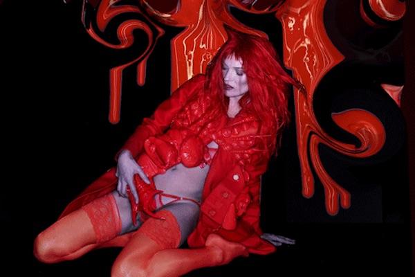 Kate Moss representando a luxúria || Créditos: Divulgação