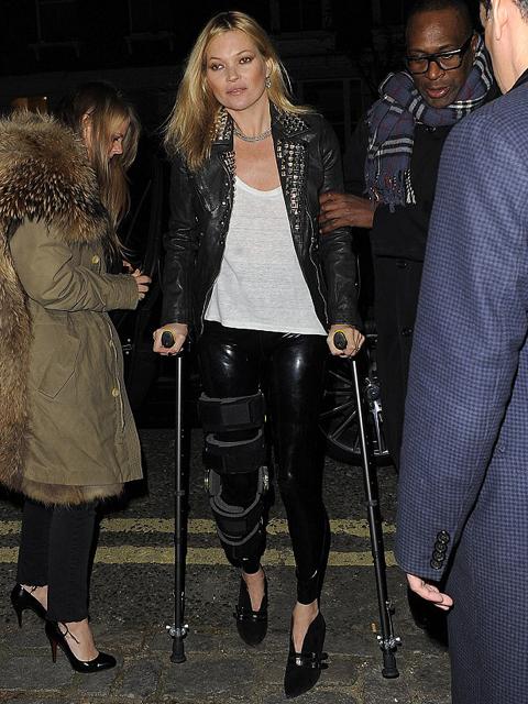 Kate Moss: nada a impede de ir à uma festa! || Créditos: Getty Images