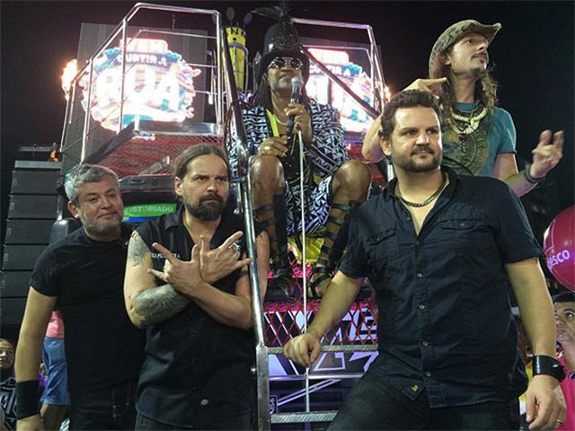 Sepultura, Angra e Carlos Brown juntos na avenida do axé  ||  Créditos: Reprodução Instagram