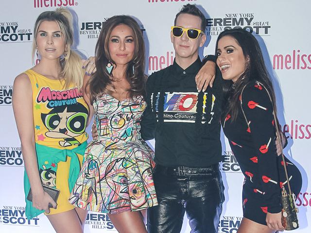 Julia Faria, Sabrina Sato, Jeremy Scott e Anitta    Créditos: AgNews