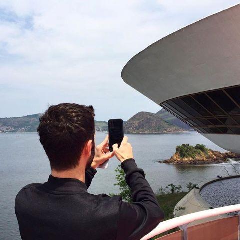Nicolas Ghesquière confirma que o MAC vai receber o desfile da coleção Cuise da Louis Vuitton      Créditos: Reprodução Instagram