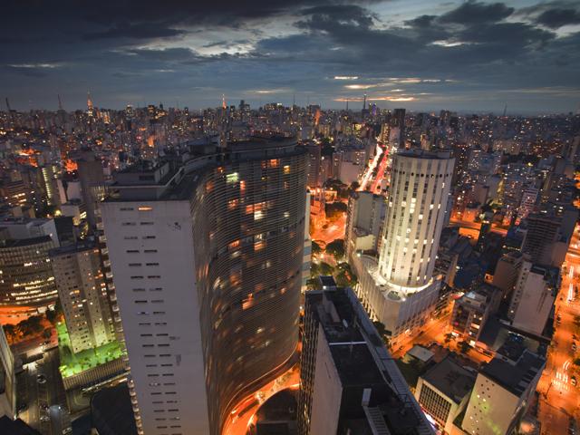 Galerias ficam abertas até as 22h durante a semana da SP Arte em São Paulo || Créditos: Istock
