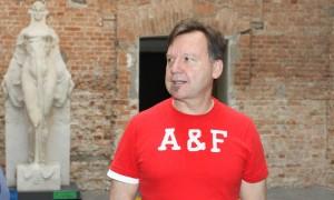 Alex Flemming reuniu turma artsy para lançar livro e expo