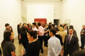 Exposição coletiva reúne turma artsy na Galeria Luciana Brito