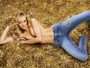 Exclusivo! As primeiras imagens de Candice Swanepoel para a Colcci
