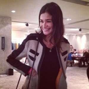 Carol Ribeiro visita Galeria Showroom e dá a dica para usar bijoux