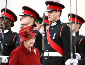 Glamurama descobriu qual a foto preferida de William com a rainha