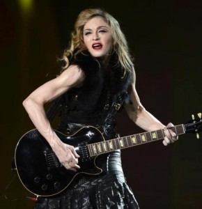 "E foi dada a largada da turnê ""MDNA"" da Madonna"