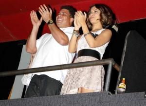 Ronaldo e Bia Antony se emocionam com musical de Tim Maia