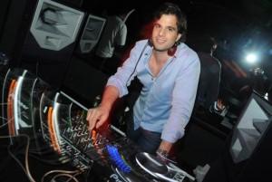 Vai perder? DJ Pedro Sabie preparou um set list especial para o fim de semana