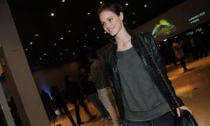Laura Neiva veste figurino de época em novo filme