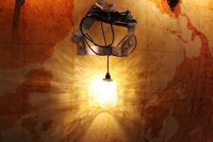 R+Louback dá dicas de como iluminar sua casa para um jantar. Vem ver!