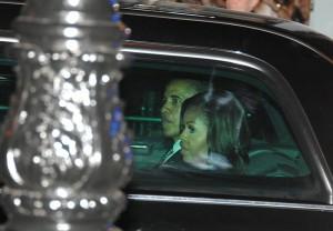 Sarah Jessica Parker recebe convidados para jantar em homenagem a Obama
