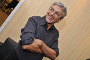 Vem ver os bastidores do novo site de Caetano Veloso