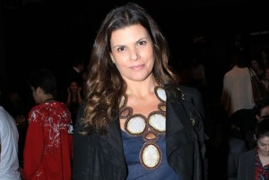 A designer Daniela Cutait está amando um gloss que aumenta os lábios