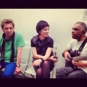 Gil, Fernanda Takai e Andy Summers, do The Police, emocionam o Rio