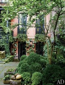 O jardim secreto de Julianne Moore em meio ao caos de NY