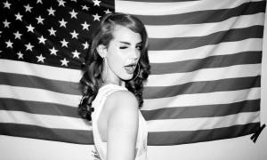 Depois de virar bolsa da Mulberry, Lana Del Rey é o novo rosto da H&M