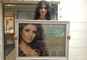 Paula Fernandes vende 250 mil cópias do novo álbum em uma semana