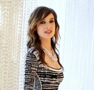 Berenice Marhole, a nova Bond Girl, estrela a campanha da Swarovski