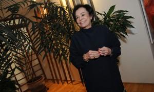Regina Boni reuniu poucos e bons amigos para comemorar aniversário